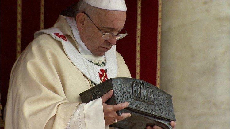 Lettre du pape au patriarche Bartholomée sur les reliques de saint Pierre