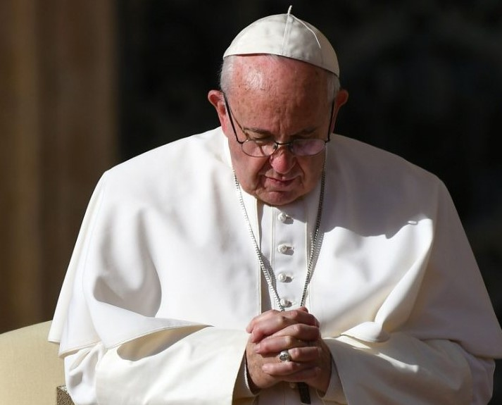 """Pape François : """"la vieillesse n'est pas une maladie, mais un privilège"""""""
